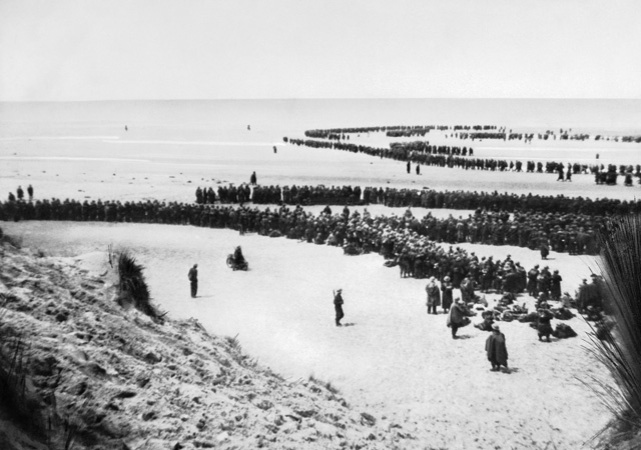 on-the-beaches-of-dunkirk-nyp-068075