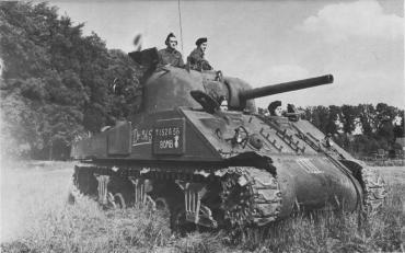 Sherman_tank_-_Bomb_D365