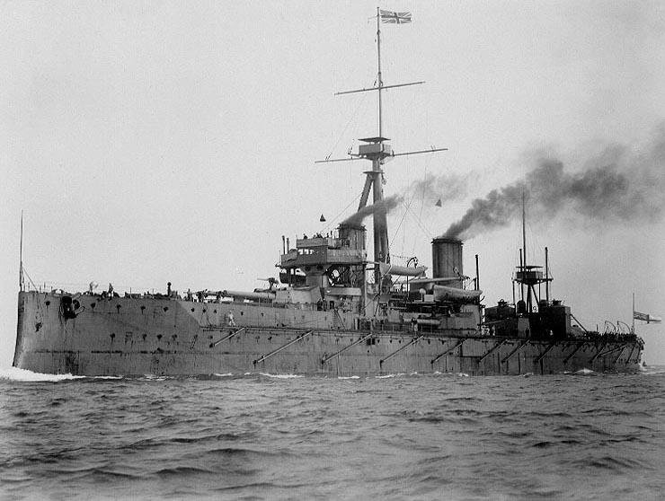 HMS_Dreadnought_1906_H61017