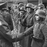 Auszeichnung des Hitlerjungen Willi Hübner
